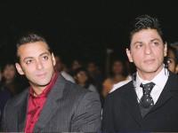 شاہ رخ خان اب آپ کو دیکھائی دے گے بگ باس کے سیٹ پر
