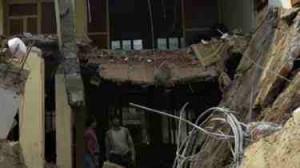 لاہور میں کارخانے کی چھت گرنے سے قیمتی جانوں کا ضیاع